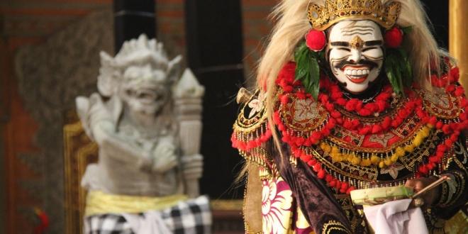 festival budaya bali - sumber indonesia travel